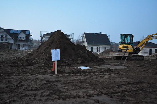 Die Bauarbeiter haben das Bauschild umgesetzt, na von mir aus. Dahinter Mount Weber. :)