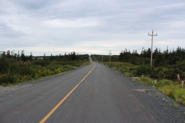 Une route de12 km de long du nord au sud de l'île