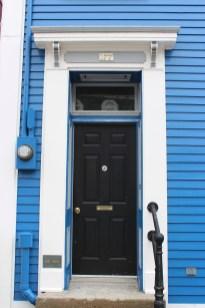 série de portes colorées