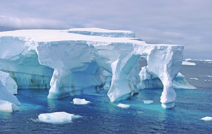 antarctique-arches-de-glace