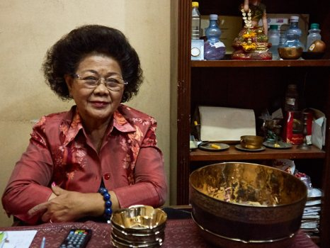 Ms Metta Salanon owner and manager of Jiam Sangsjja Bronze Factory in Ban Bu Bangkok Thailand