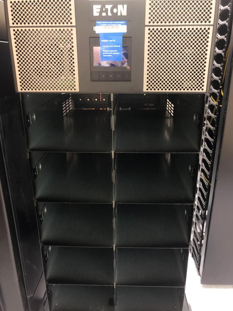 Eaton 9PXM UPS bays