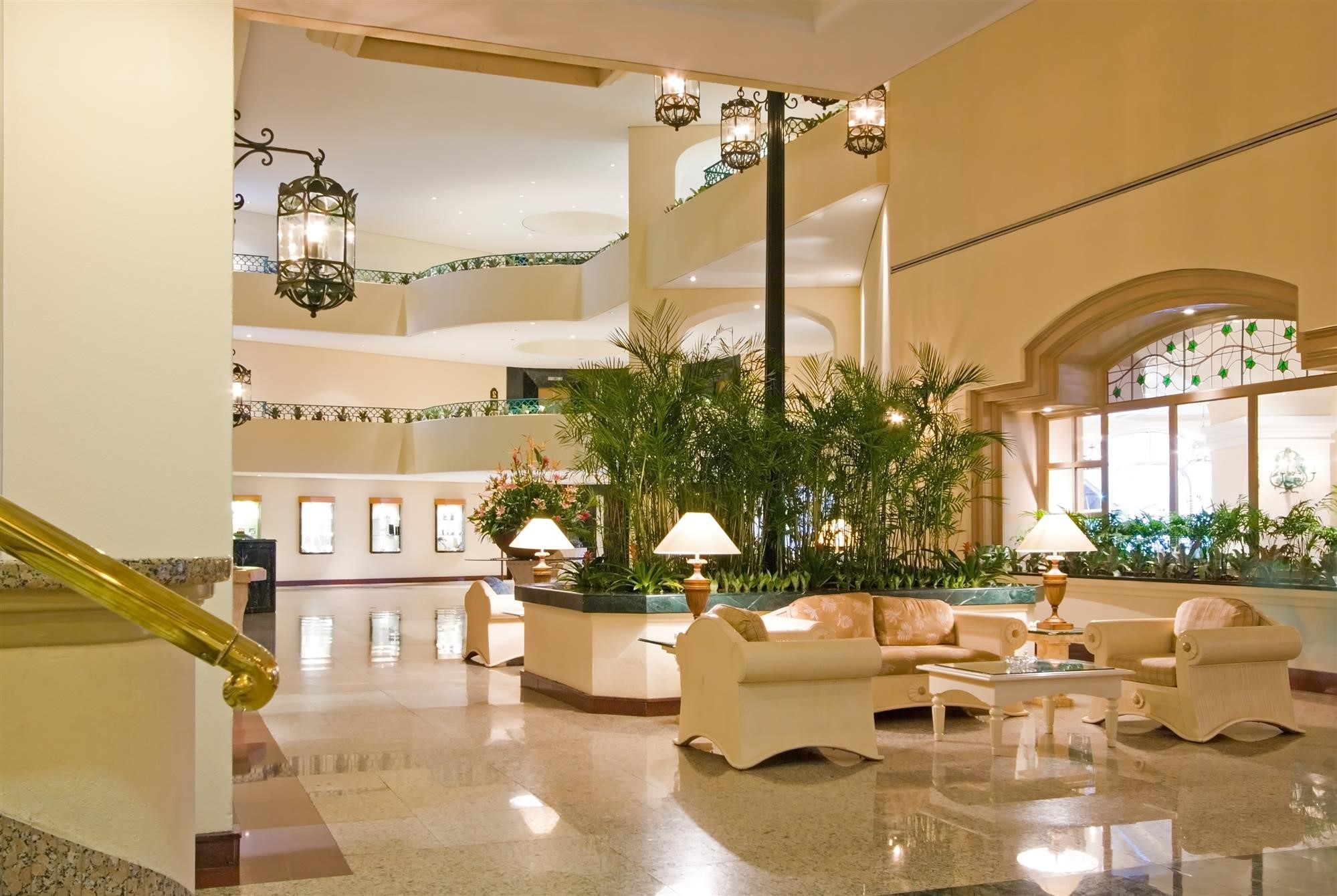 Bon Ensure Your Hotel Lobby Leaves An Unforgettable First Impression On Your  Guests ⋆ National Hospitality Supply Blog
