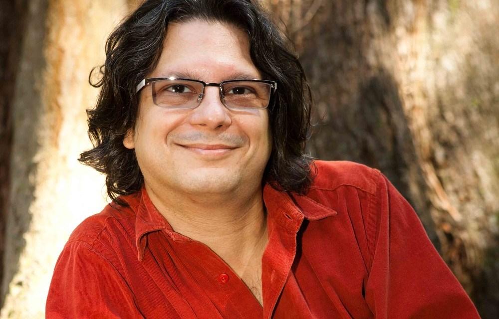 Teatro Ziembinski recebe homenagem a Sergio Roberto de Oliveira