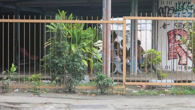 Antiga Casa de Cultura Lima Barreto, na Tijuca, é invadida por moradores de rua