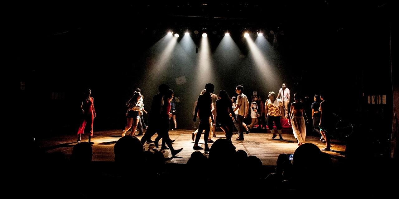 'Outro, Eu' – Sucesso entre adolescentes e adultos, espetáculo retorna aos palcos na Tijuca
