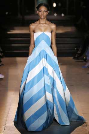 STRIPES Carolina-Herrera