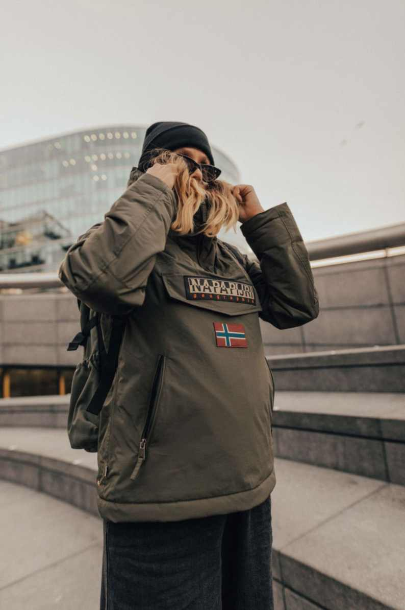 nappapijri-rainforest-jacket-street-style-15