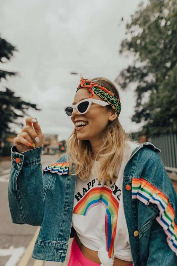rainbow-denim-jacket-street-style-20