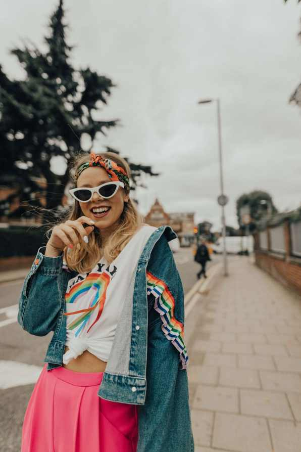 rainbow-denim-jacket-street-style-22