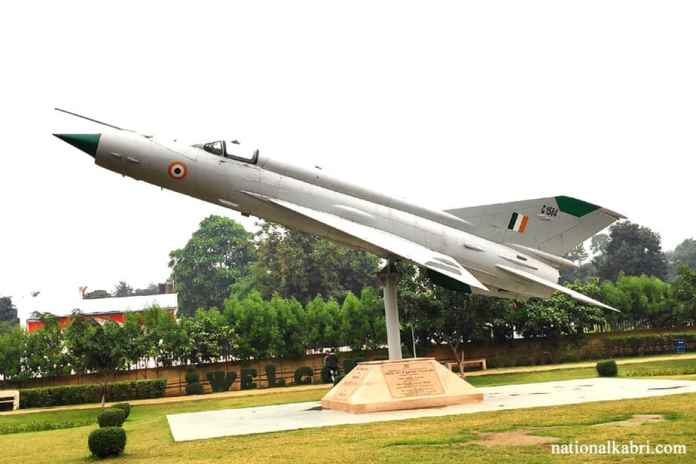 mig 21 fighter plane in eco park patna
