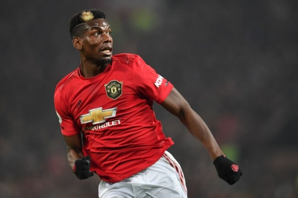 Manchester United extends Pogba's contract by one year