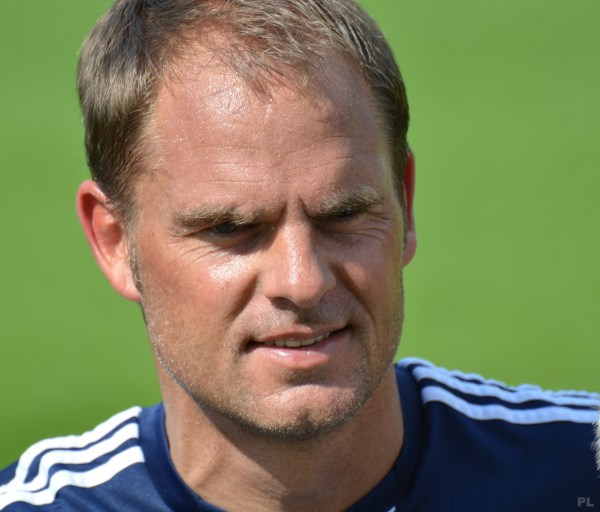 Netherlands hires De Boer as new manager
