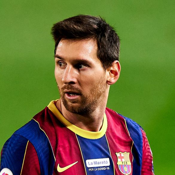 Lionel Messi denies reports he has agreed to join PSG or Man City