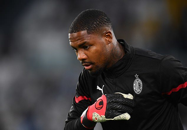 Mike Maignan releases strong statement after Juventus fans racially abused him