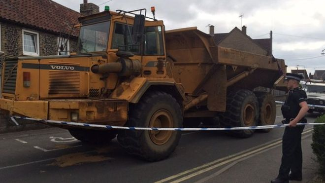 Dumper truck stoped in suffolk