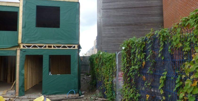 No scaffolding around timber frame
