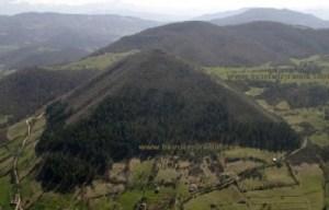 Gunung Padang.