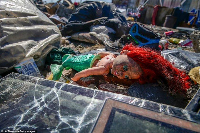 A law had been passed in 2016 which limited the amount of belongings a homeless person can store on the sidewalk to 60 gallons. Piles of trash remain near the intersection of 25th St. and Long Beach Ave