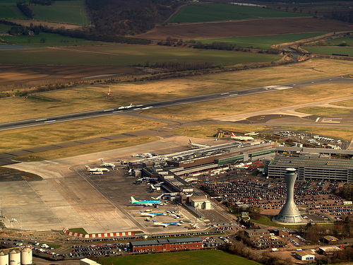Edinburgh Airport by Papaj0e via Flickr