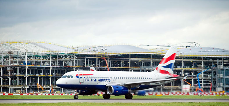 heathrow-terminal-2-and-aircraft-taxiing_CHE10212d_788x366