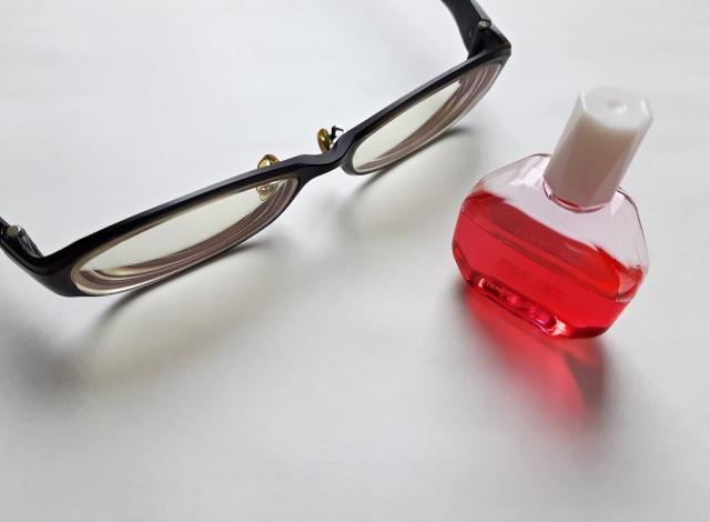 市販の目薬の使用期限。知らずに使うと危険ですよ!