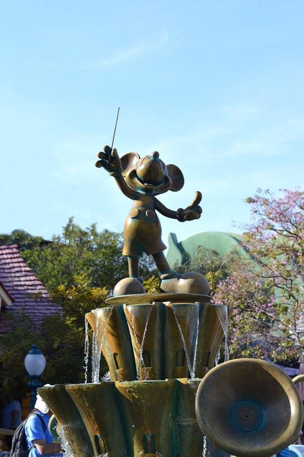 Mickey Mouse Disneyland // Nattie on the Road