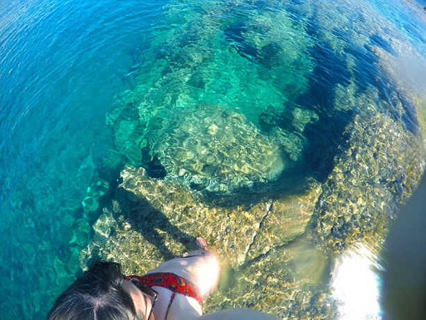 The clearest water in Greece // Nattie on the Road