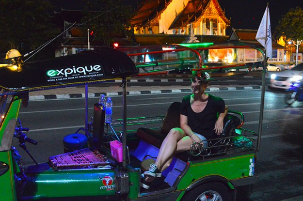 seeing Bangkok by tuk tuk // Nattie on the Road