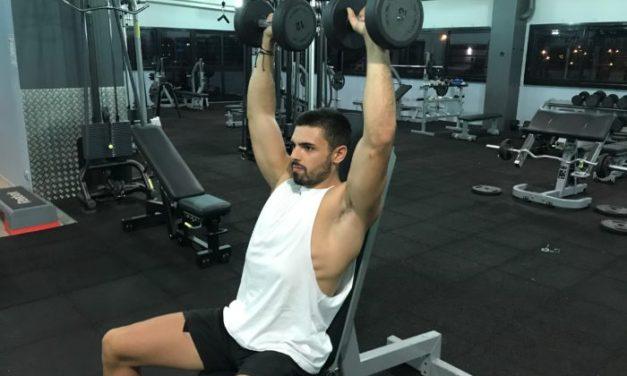 Exercice musculation: Développé militaire haltères