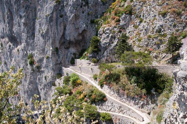 A seaside stroll, Capri