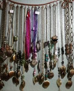 diffuser-necklaces2