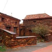 Recorrido por los pueblos rojos y negros de Segovia (I): Villacorta