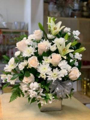FNR014 $110.00 White and silver condolences