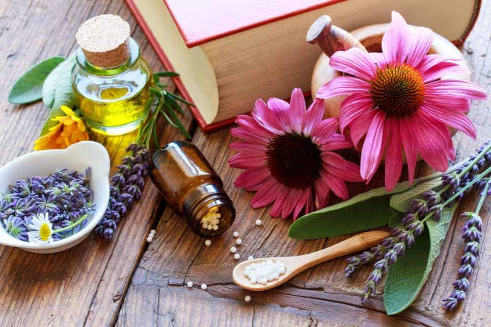 How to Stock a Natural Medicine Cabinet for Self-Reliance