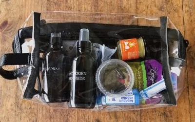 Minimalist Natural First Aid Kit Ideas (Parents & Travelers)