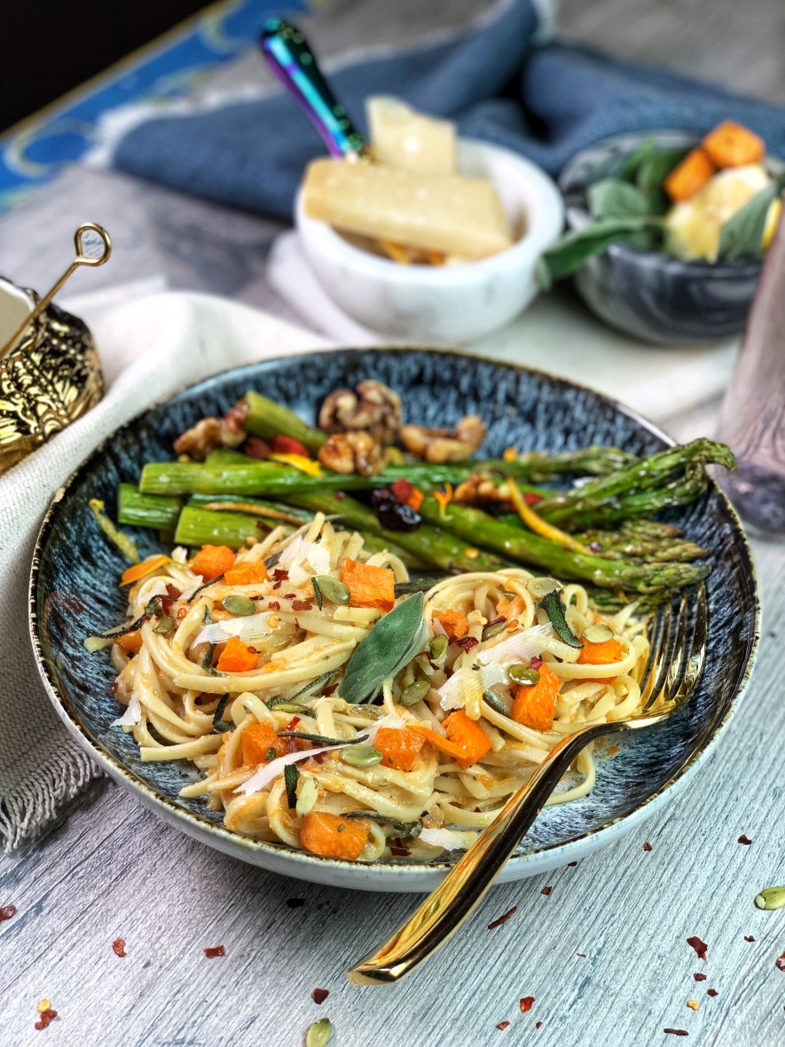 Silky pumpkin sauce with cashew cream paired with roasted sage and delicate notes of cinnamon, this Pumpkin Sage Pasta is a true testament to fall flavors. With a variety of warm spices and crispy asparagus, there's no dish more perfect for this holiday season.