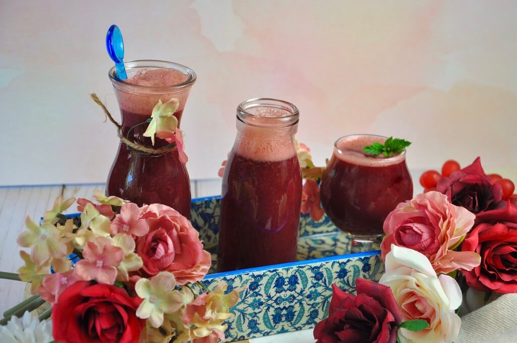 Sweet and tangy, this fresh plum beetroot juice with oranges, ginger and lemon is a light drink perfect for the summer! Packed with vitamins and minerals, this juice is an easy and enjoyable way to take in your nutrients!
