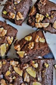 Eggless Nutella Brownies - rich and decadent, these simple one-bowl brownies are perfect for any chocolate lover. This super quick, easy to make dessert only requires four ingredients.