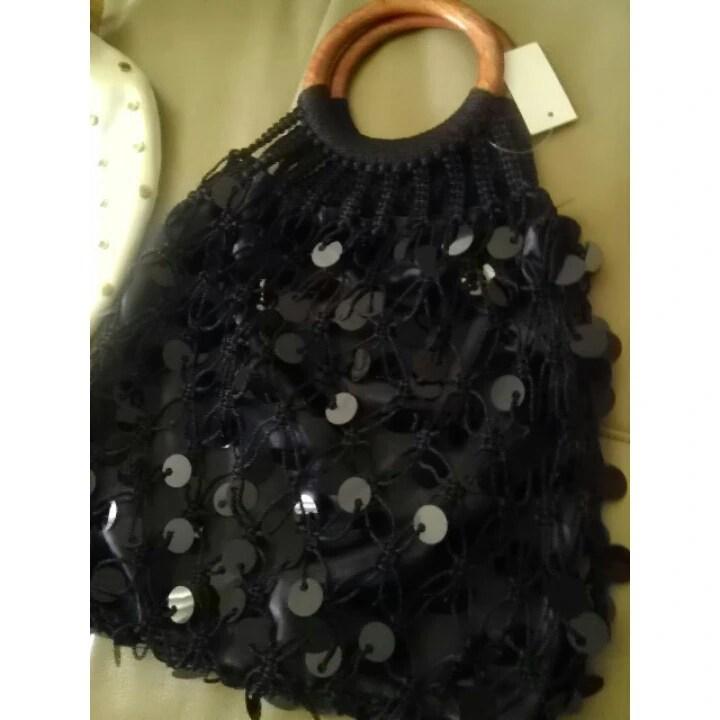 Black, Satin, Handbag, Goodwill, Fashion, Fashionista, Thrift, Thrifty Thursday, naturally stellar, goodwill gorgeous