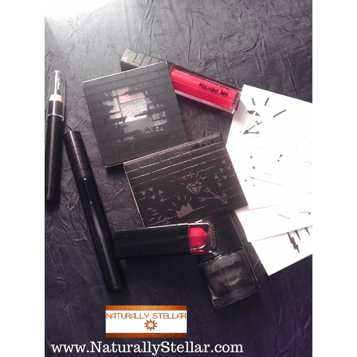 One Direction Makeup Kit Contents