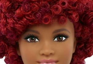Naturalista Barbie - Holiday Guide for Rock Star Moms | Naturally Stellar