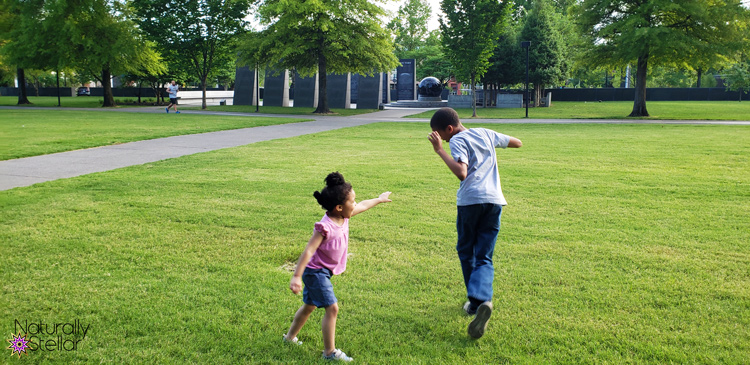 Keeping Family Time Simple This Summer - Kids Playing   Naturally Stellar