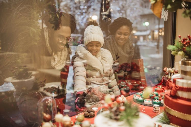 Black Owned holiday guide featuring unique, affordable and luxury gifts. | Naturally Stellar