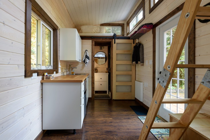 Tips for downsizing to a smaller home | Naturally Stellar