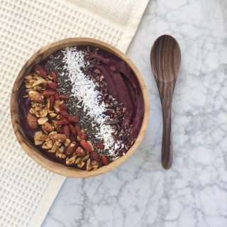 Acai bowl topped with all the healthy superfoods. So good for detoxing the body.