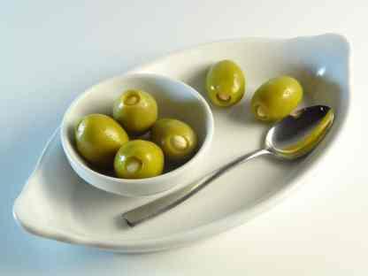 Оливки, фаршировані мигдалем 560г калибр 111-120 Super Colossal в морській солі ПЕТ-пакетик 70351
