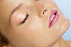 3 tips for treating oily skin with natural skin care