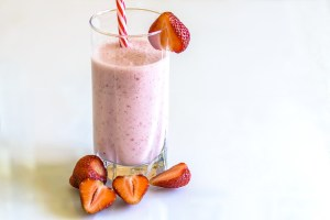 Erdbeer-Kefir-Daiquiri - lecker und gesund