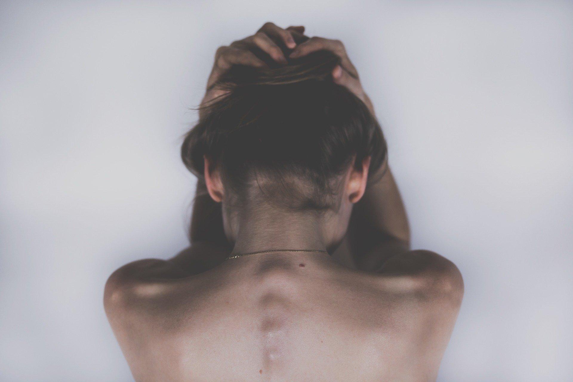 Was kann man gegen Nackenschmerzen tun?